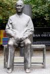 """Bertolt Brecht  in front of his theater"", de Martin aka Maha"