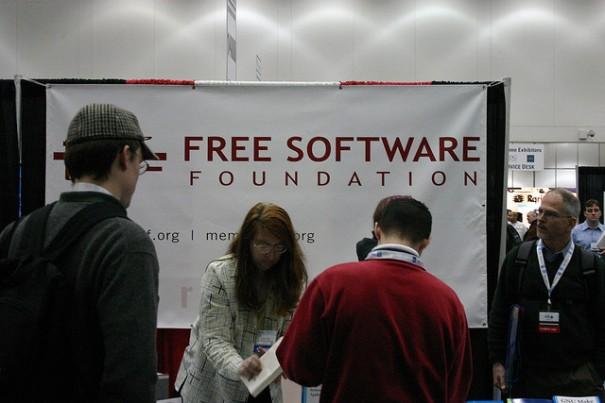 """Free Software Foundation Booth"", d'Erik Mallinson"
