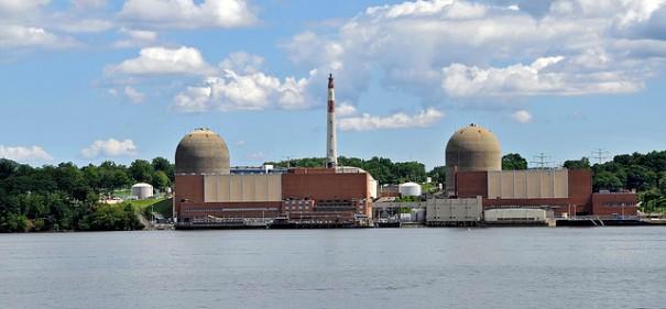 """Indian Point Nuclear Power Plant"", de Tony the Misfit"