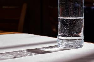 """""""Water Glass Light Shadow"""", de Beatrice Murch"""""""
