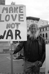 """Make love not war"", de Saidun Saids"