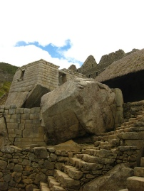 """Ancient Stones. The temple of the Sun in Machu Picchu, Cusco, Perú"", de Teo Romera"