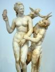 Afrodita, Eros i Pan, Museu arqueològic d'Atenes, mfvazquez63, Flickr