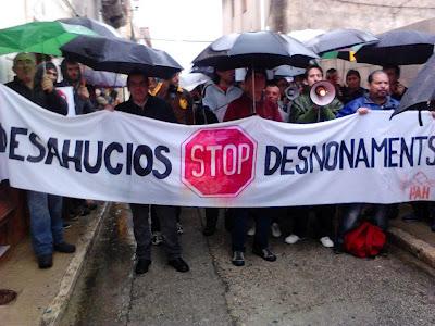 Publicada a http://acampadagandia.blogspot.com.es/2012/04/stop-desnonament-almoines-dimarts-10.html