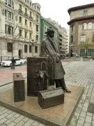 """""""El regreso de W. Arrensberg, 1993. Eduardo Úrculo. Plaza Porlier, Oviedo."""", foto de Gonmi (Nacho), al Flickr, http://www.flickr.com/photos/gonmi/7044874865/"""