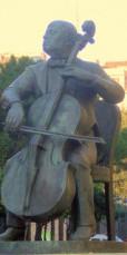 """""""Escultura de Pau Casals al passeig del mateix nom"""", foto de Jaume Meneses, al Flickr, http://www.flickr.com/photos/jaumemeneses/2232564482/"""