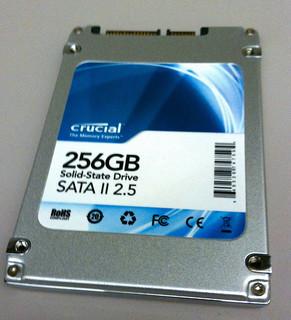 Crucial CT256M225 SSD, de Marc Liyanage, Flickr