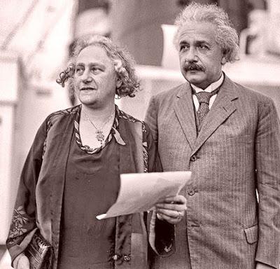 Einstein amb la seva segona dona, Elsa, poc després d'arribar a San Diego a finals de 1930.
