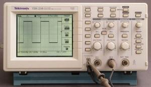 Oscil·loscopi Tektronik TDS 210, de Smial, Viquipèdia