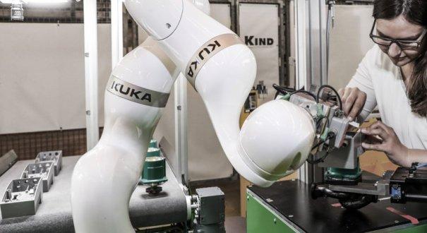 Treballant amb un robot col·laboratiu de Kuka Robotics