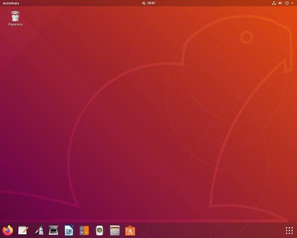 Escriptori de l'Ubuntu 18.04.3 LTS amb acoblador a baix